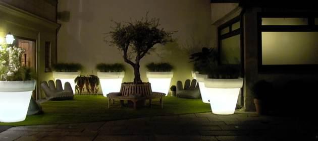 Les astuces et conseils d coration de votre sp cialiste for Luminaire exterieur maison